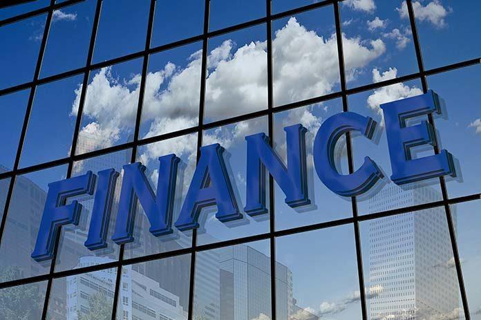 Branża finansowa dla początkujących. Jak przygotować się do pracy w finansach?