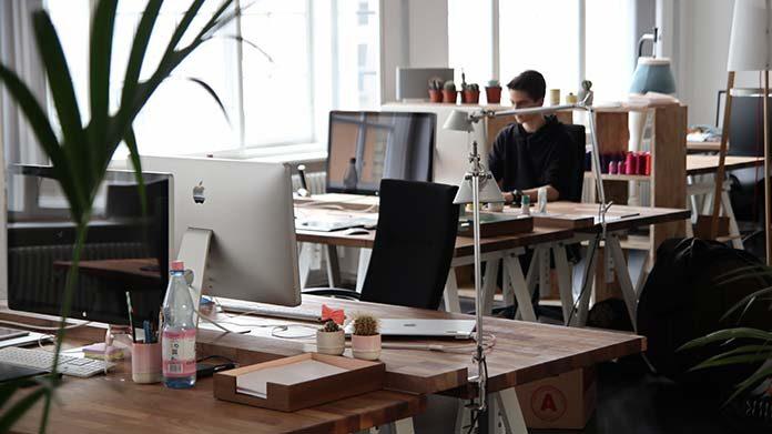 5 artykułów biurowych, które warto mieć w swoim biurze!